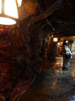 三段壁洞窟2.jpg